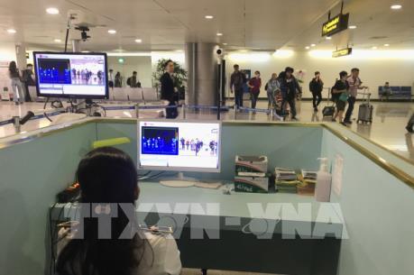 Áp dụng khai báo y tế đối với hành khách nhập cảnh từ Trung Quốc