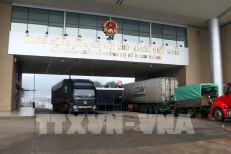 Xuất khẩu nông sản vẫn tăng mạnh qua cửa khẩu Lào Cai