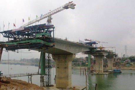Chuẩn bị thông xe cầu Thịnh Long vượt sông Ninh Cơ (Nam Định)