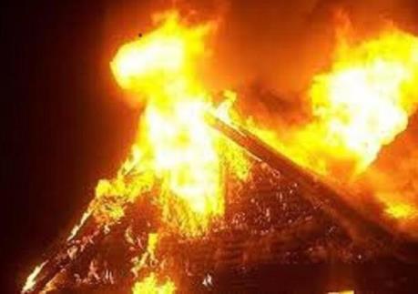"""Bà hỏa """"hỏi thăm"""" 6 căn nhà ở Cần Thơ trong ngày mùng 2 Tết"""