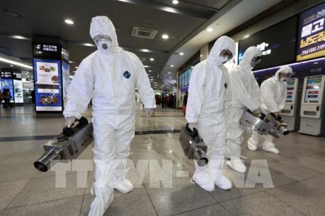 Dịch do virus Corona: Hàn Quốc cho phép giảm số ngày học trong năm