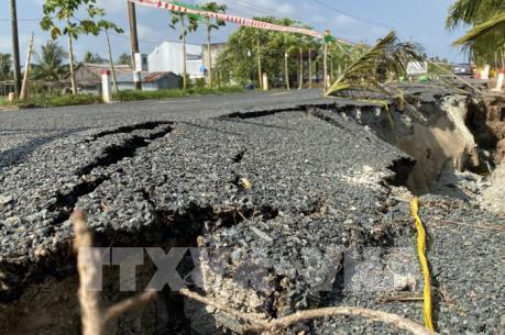 Cà Mau: Sụt lún nghiêm trọng tuyến đường Tắc Thủ – Vàm Đá Bạc
