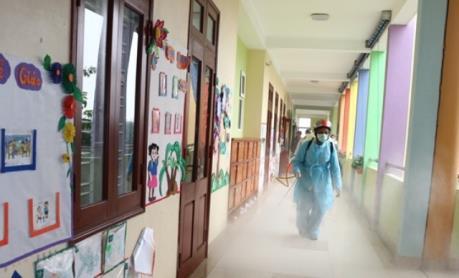 Dịch do virus Corona: Thanh Hóa phun chất diệt khuẩn cho hơn 2.000 trường học