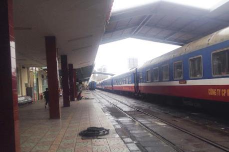 Đường sắt dừng chạy nhiều đoàn tàu do vắng khách