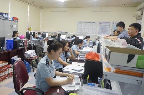 Tạo thuận lợi thông quan hàng sản xuất phục vụ chống dịch