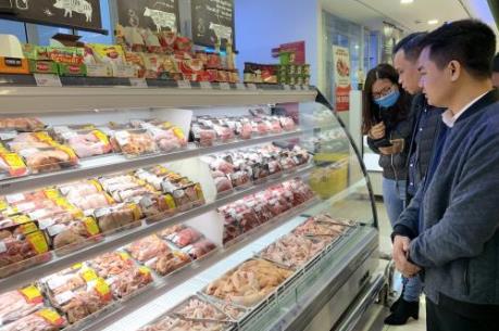 Giá thịt lợn vẫn ở mức cao do còn nhiều khâu trung gian