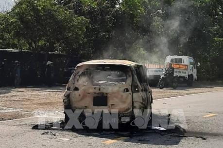 Ô tô bất ngờ phát nổ, 2 người tử vong tại chỗ