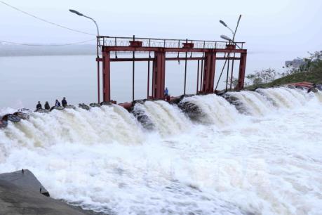 Rút ngắn 3 ngày lấy nước đợt 2 ở khu vực Trung du và Đồng bằng Bắc bộ