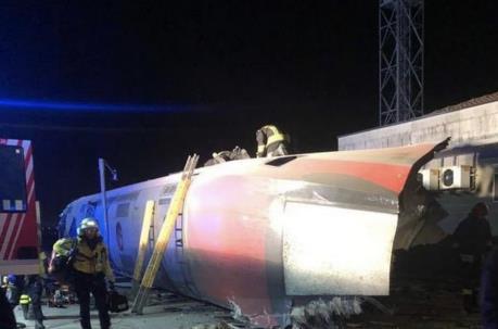 Italy: Tàu cao tốc trật bánh khiến hàng chục người thương vong