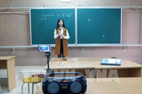 Dạy và học trực tuyến trong cuộc chiến phòng chống dịch bệnh do virus Corona