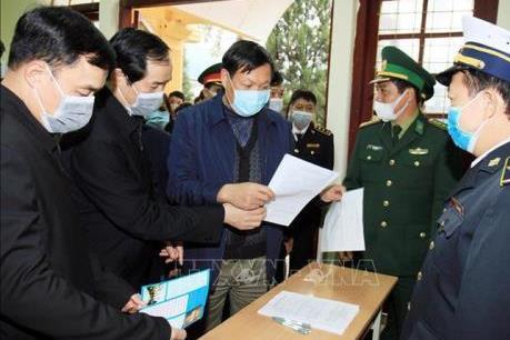 Kiểm soát người và phương tiện vận tải tham gia xuất nhập khẩu phòng dịch do virus Corona