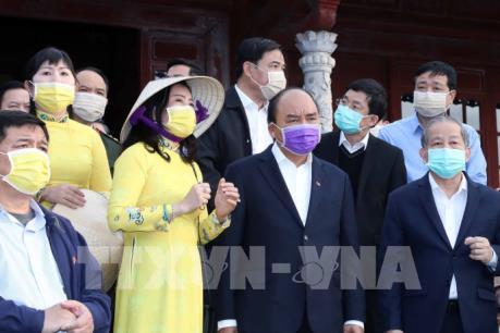 Thủ tướng kiểm tra công tác phòng chống dịch nCoV tại Thừa Thiên - Huế