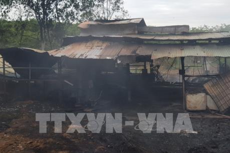 Bình Phước: Cháy cơ sở xử lý rác thải