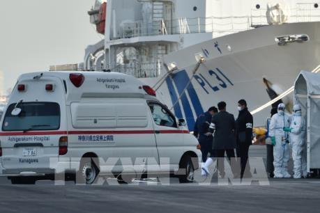 """Dịch do virus corona: Thêm 60 ca nhiễm mới trên du thuyền """"Diamond Princess"""""""