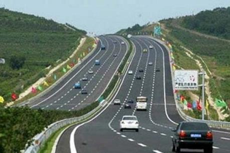 Đẩy nhanh dự án đầu tư xây dựng tuyến cao tốc Hòa Bình - Mộc Châu