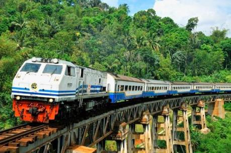 Indonesia sẽ xây dựng hai tuyến đường sắt trên đảo Java