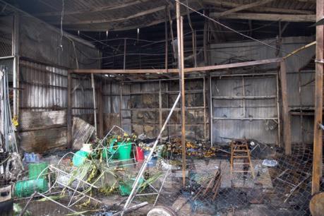 Kiên Giang: Dập tắt đám cháy tại nhà lồng chợ Rạch Sỏi