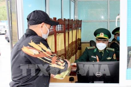 Lạng Sơn đẩy nhanh thông quan hàng hoá qua cửa khẩu Hữu Nghị