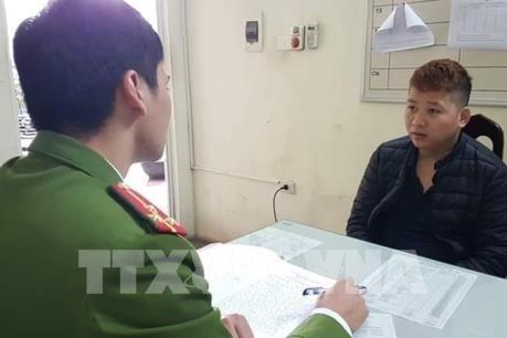 Hà Nội: Tạm giữ hình sự lái xe taxi cướp tài sản của người nước ngoài