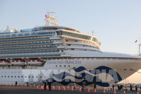 Thêm 99 trường hợp dương tính với virus corona trên du thuyền Diamond Princess