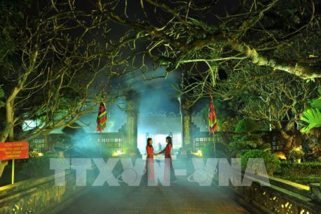 Vẻ đẹp cổ kính của khu di tích cố đô Hoa Lư về đêm