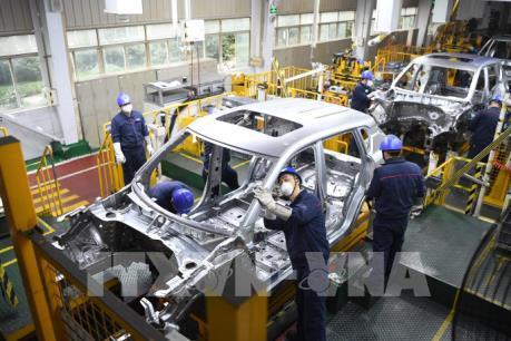 Nhiều tỉnh thành của Trung Quốc bắt đầu nối lại hoạt động sản xuất
