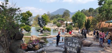 Khu du lịch Đường hầm điêu khắc Đà Lạt xin lỗi du khách Thái về vụ xô xát