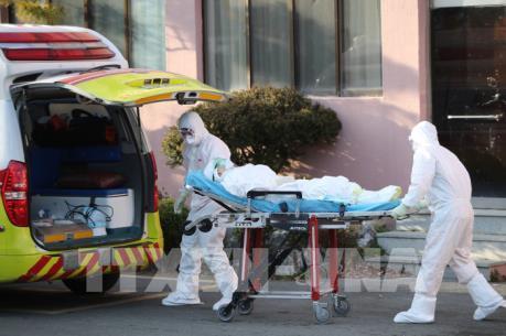 Dịch COVID-19: Hàn Quốc ghi nhận ca tử vong thứ 10, số người nhiễm lên gần 1.000