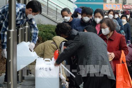 Dịch do virus Corona: Hàng không Hàn Quốc ngừng thêm nhiều chuyến bay