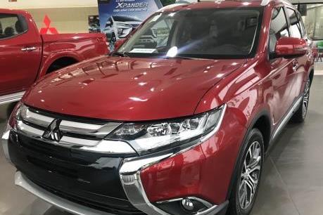 Mitsubishi Outlander 2.4 Premium đang có nhiều ưu đãi hấp dẫn