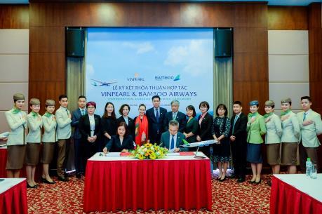 Bamboo Airways và Vinpearl hợp tác triển khai chuỗi sản phẩm hàng không, du lịch