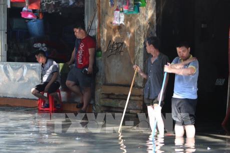 Mưa lớn gây ngập cục bộ tại nhiều nơi ở Hà Nội