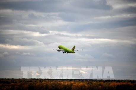 Hai máy bay Nga hạ cánh khẩn cấp do dọa đánh bom