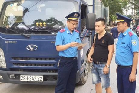 Thanh tra giao thông Hà Nội xử phạt nhiều phương tiện vi phạm