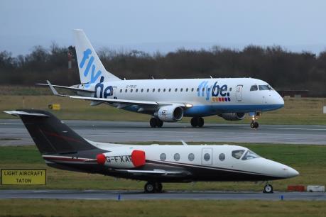 Hãng hàng không Flybe của Anh tuyên bố phá sản