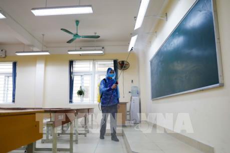Dịch COVID-19: Học sinh trung học phổ thông ở Hà Nội đi học trở lại ngày 9/3