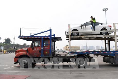 Hoạt động thương mại Trung Quốc sụt giảm vì COVID-19