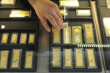 Giá vàng thế giới rơi xuống mức thấp của hai tuần trong phiên 27/5