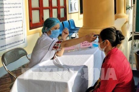 Quảng Ninh chạy máy khử trùng tự động chống COVID-19 ở cửa khẩu Móng Cái