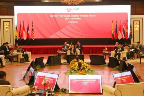 Thông qua 12 đề xuất sáng kiến của Việt Nam trong hợp tác kinh tế ASEAN