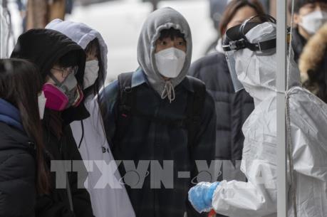 Hàn Quốc: Hơn 10.000 doanh nghiệp cho nhân viên nghỉ làm phòng dịch