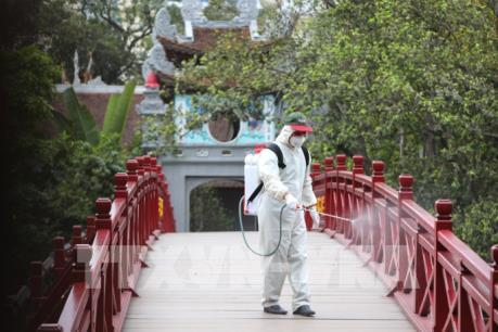 Một số di tích ở Hà Nội tạm dừng đón khách để khử khuẩn phòng dịch