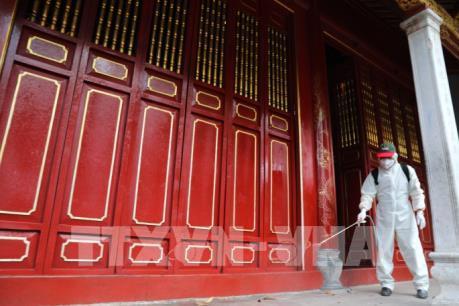 Hà Nội đóng cửa di tích lịch sử, quán bar, karaoke đến hết tháng 3