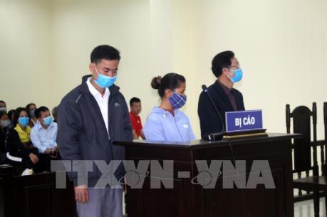 Thanh Hóa phạt tù nguyên Chủ tịch UBND về tội Lợi dụng chức vụ