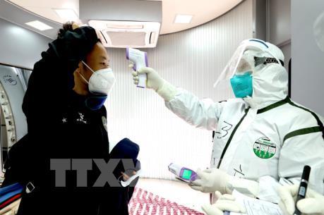 Trung Quốc ghi nhận số ca mắc COVID-19 từ nước ngoài cao hơn trong nước