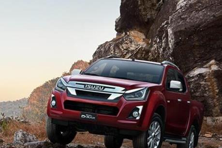 """Doanh số bán xe bán tải tháng 2/2020: Isuzu D-max tiếp tục """"đội sổ"""""""