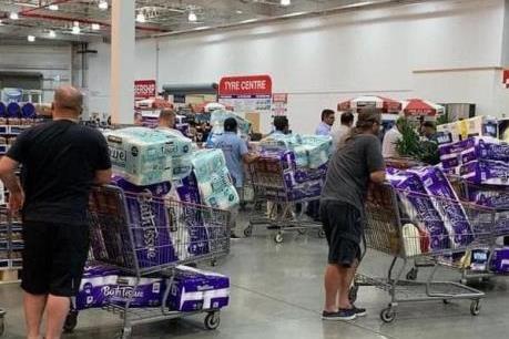Dịch COVID-19: Lý giải hiện tượng người dân đổ xô mua giấy vệ sinh