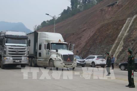 Kiểm soát chặt phương tiện và người vận chuyển hàng hoá tại cửa khẩu