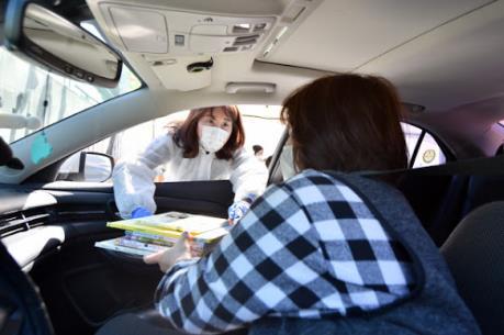 """Dịch COVID-19: Hàn Quốc ứng dụng rộng rãi mô hình """"Drive-thru"""""""