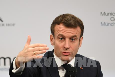 Dịch COVID-19: Pháp hạn chế di chuyển và đóng cửa biên giới